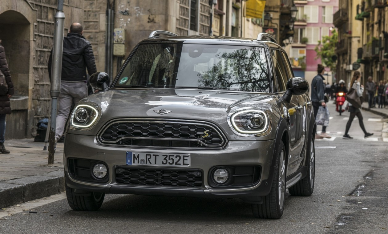 американцы отправили Mini Countryman на краш-тесты