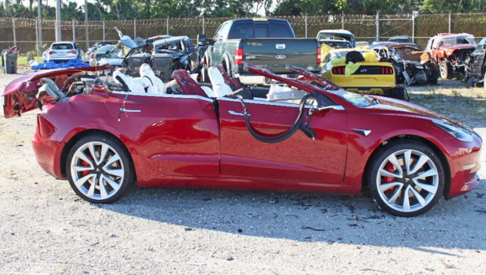 Tesla_crash