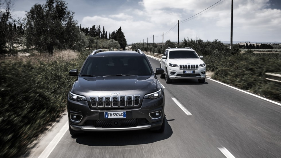 New Jeep Cherokee на трассе